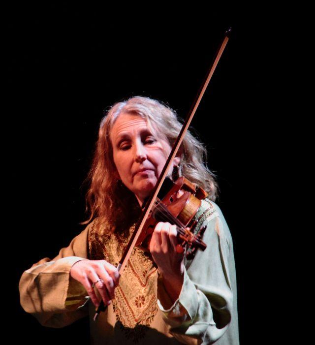Kate Stenberg playing Amirkhanian's Rippling the Lamp.